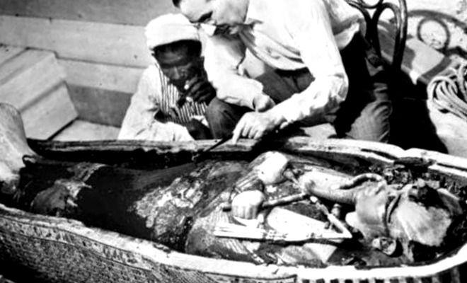 Howard Carter: ¿Arqueólogo o Ladrón de Tumbas? - antropologia-arqueologica - howard carter arqueologo britanico