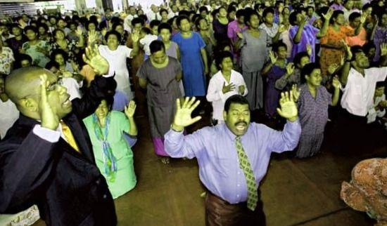 miembros de una iglesia pentescostal en Fiji